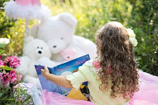 知識は宝物、読書の習慣をつけよう!小学校低学年におすすめな本