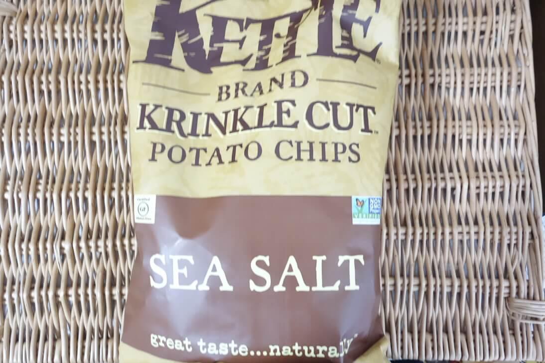 Kettle Foods(ケトルフーズ)のクリンクルカットのSea Salt味はボリューム満点